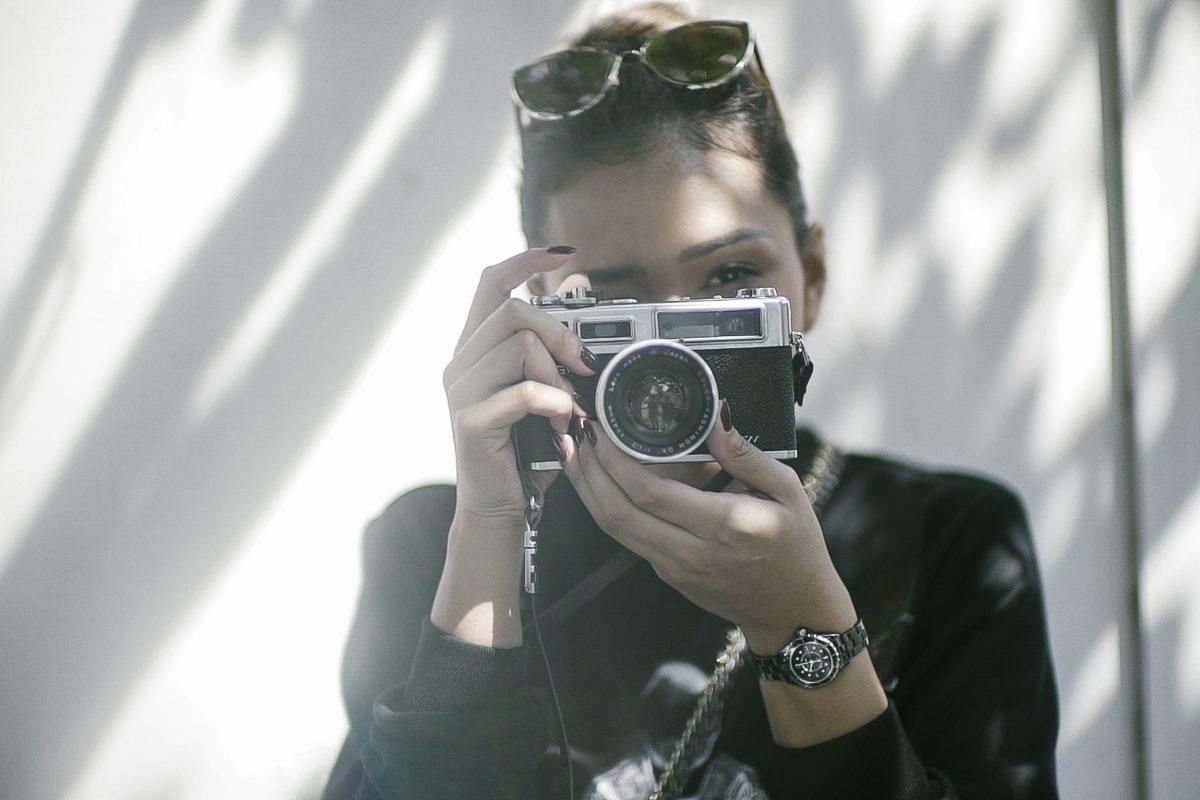 WATCH: Adinia Wirasti <3 Chanel J12