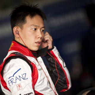 第一位登上F1前備賽GP2的臺灣人