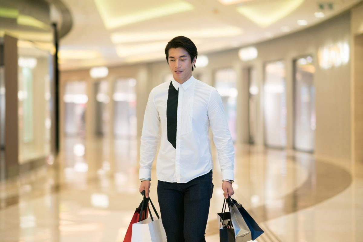 Model Jeremy Wong shows us how he shops Elements Mall