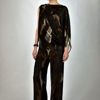 Maria Grachvogel (#01-07A): It's all about versatility at Maria Grachvogel — the chic Correa velvet jumpsuit, made from plush printed velvet, to take you from a casual brunch get-together to an elegant dinner party in the evening.
