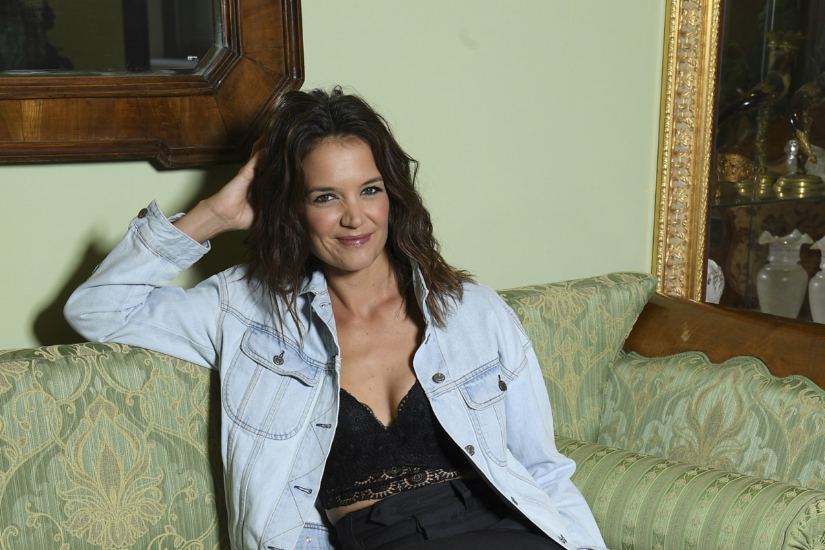 "10 ""Intimate"" Questions for Katie Holmes"