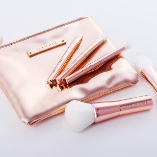 Make Up Store Beauty Brushes - A set of five beauty brushes all beautifully packaged in a matching pouch From Make Up Store is perfect for the handbag. Plus, this is a thoughtful gift for a friend or loved one.