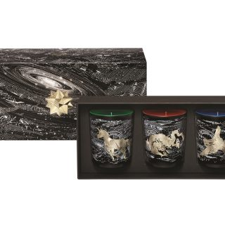 Diptyque Candle Set - This candle trio set from Diptyque features art by Philippe Baudelocque of mythical creatures – phoenix, dragon and unicorn – swirling within the constellation.  You can buy them separately as well. Mesmerising indeed!