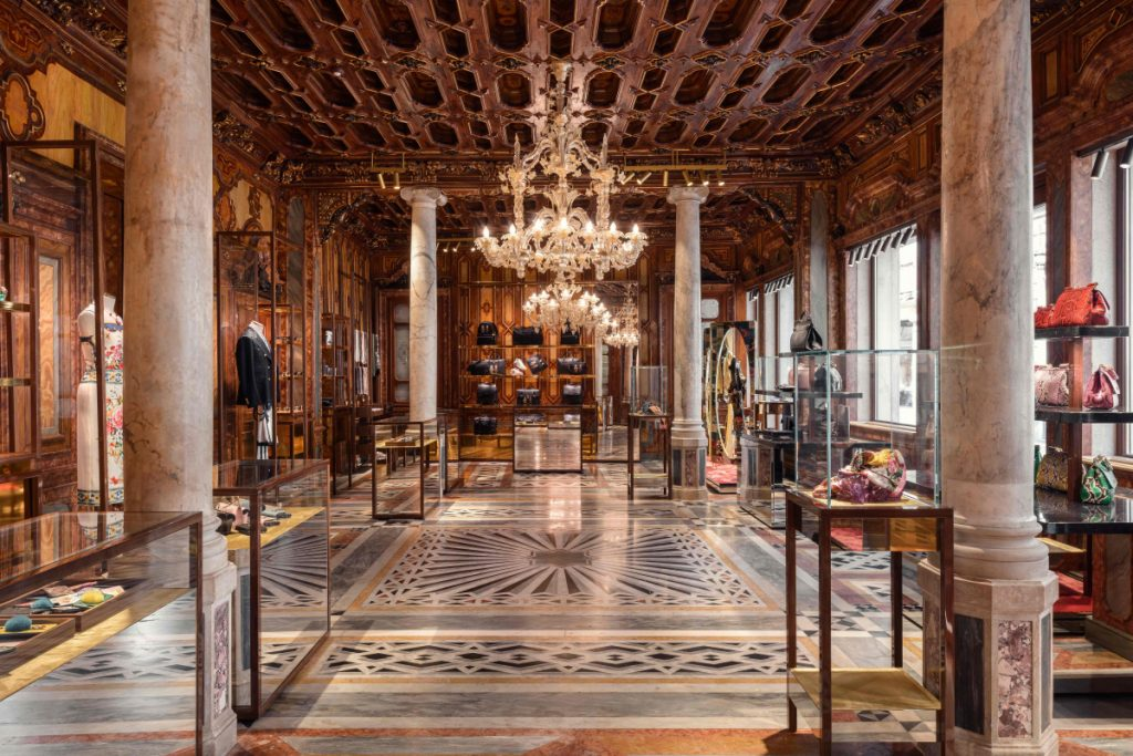 3 Luxury Flagship Stores By Carbondale Architects