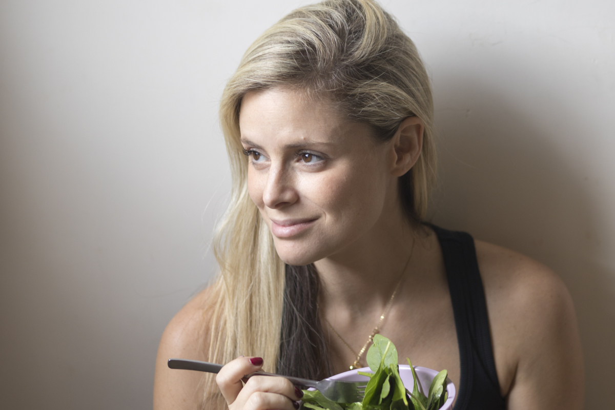 Wellness Guru Ifat Hindes Talks Going Gluten-free and The Benefits of Copper Bottles