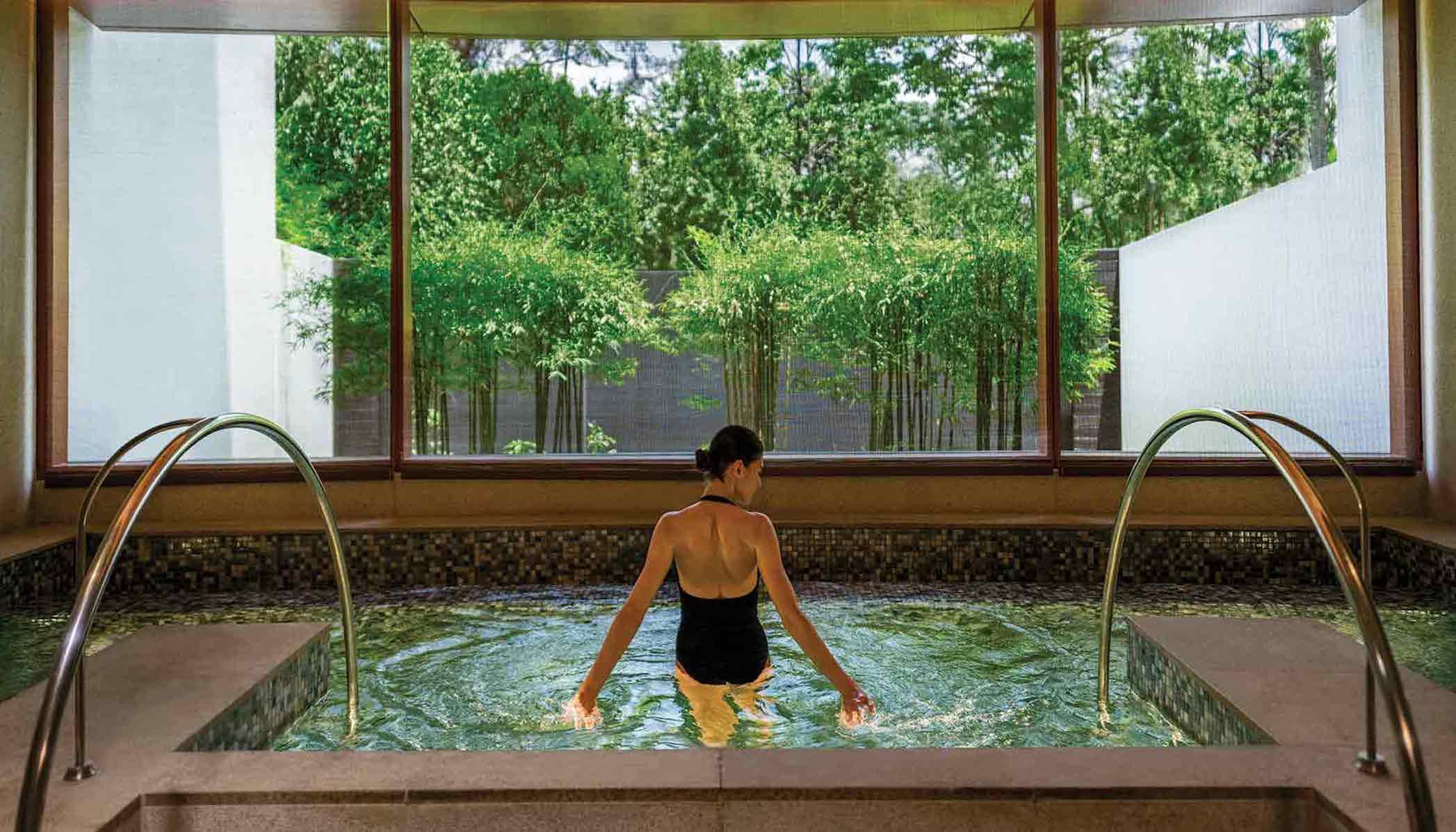 Luxury spas in Singapore: Auriga Spa)