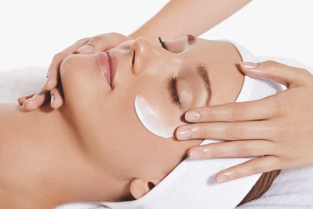 3 New Non-Invasive Facials In Singapore That Are Utterly Relaxing
