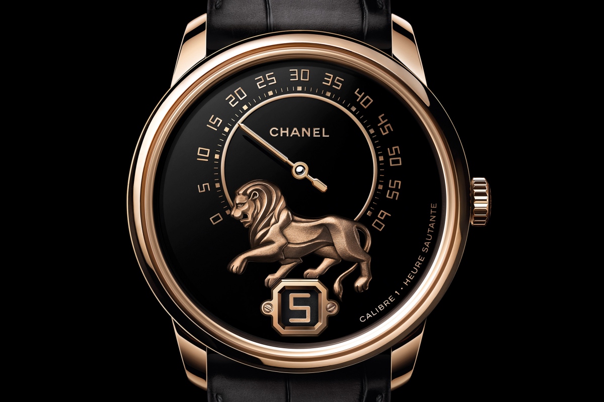 The Lion Charges Forth As A Powerful Emblem For Monsieur De Chanel 2018 Timepieces