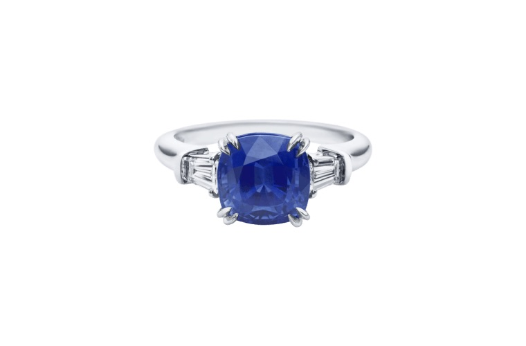 Harry winston sapphire ring