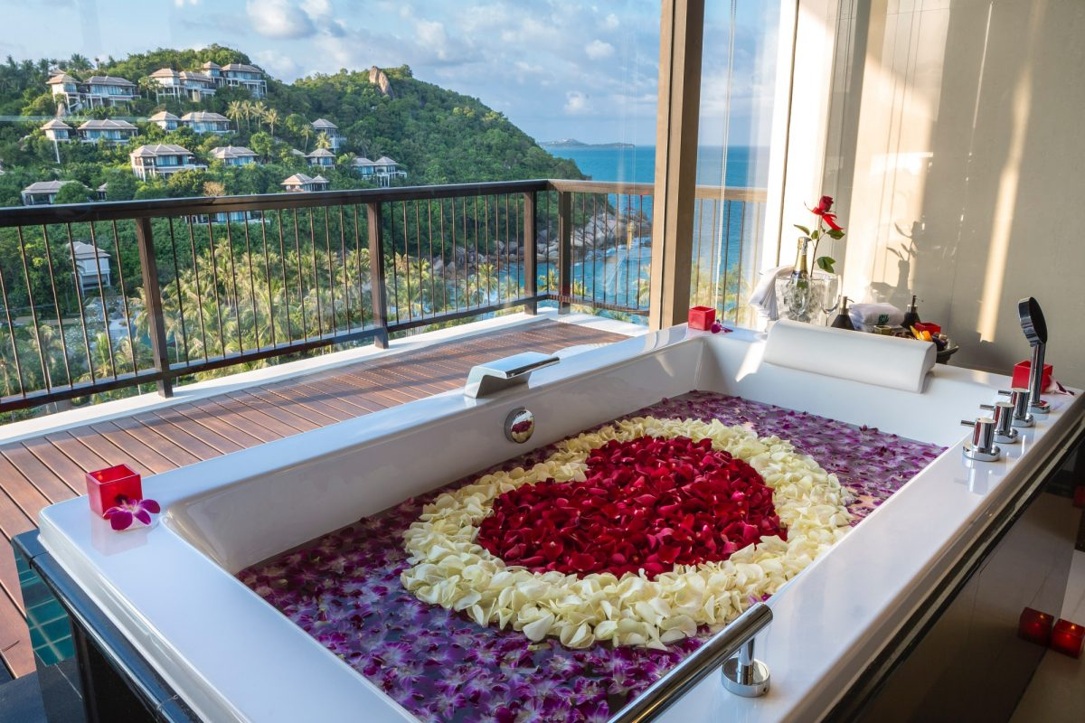 The Best Hotel Bathtubs In Asia For Deep Dips