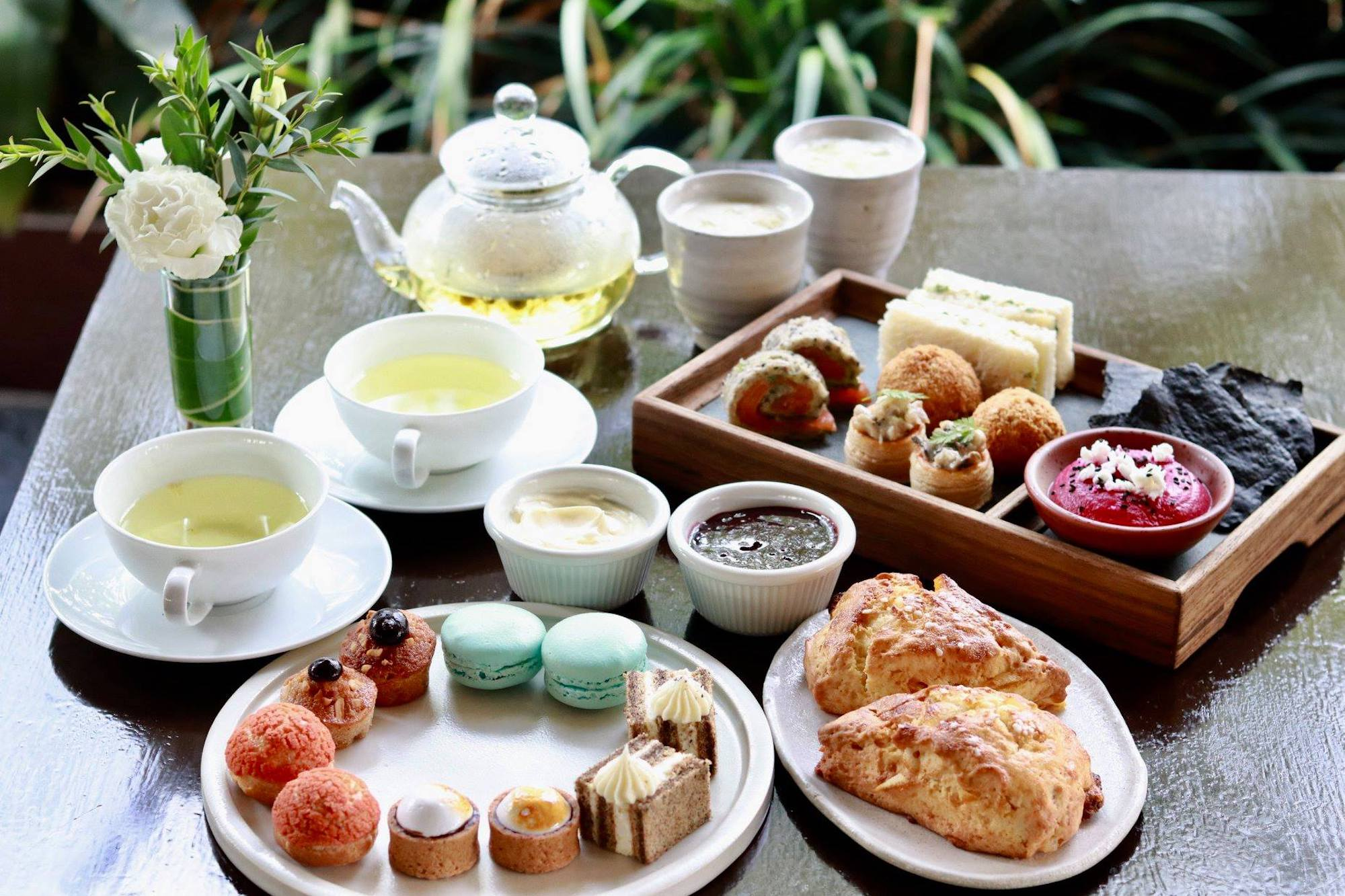 weekday afternoon tea singapore