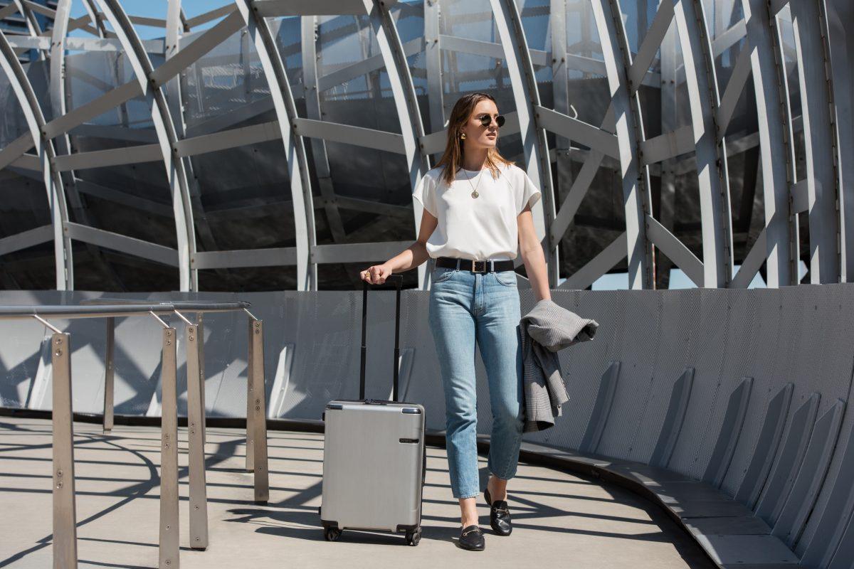 Sleek, Sizeable, Smooth: Swearing By The Samsonite Evoa