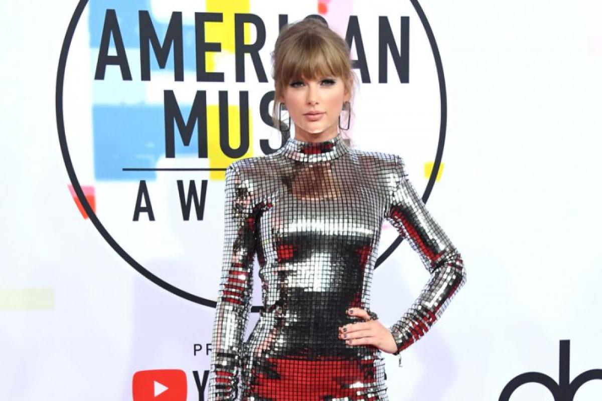 American Music Awards 2018's Best Red Carpet Looks