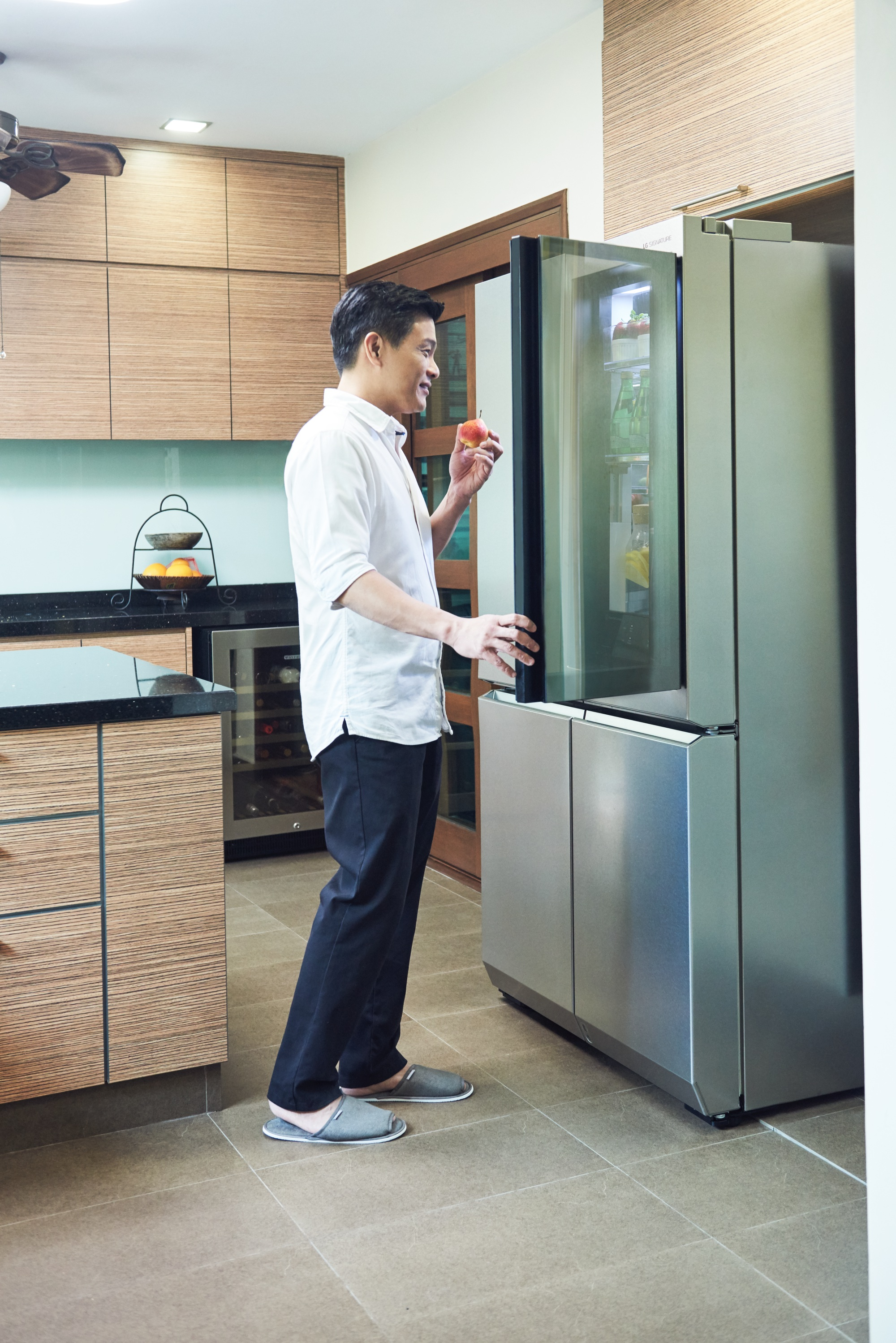 Dr Leslie Tay LG SIGNATURE refrigerator