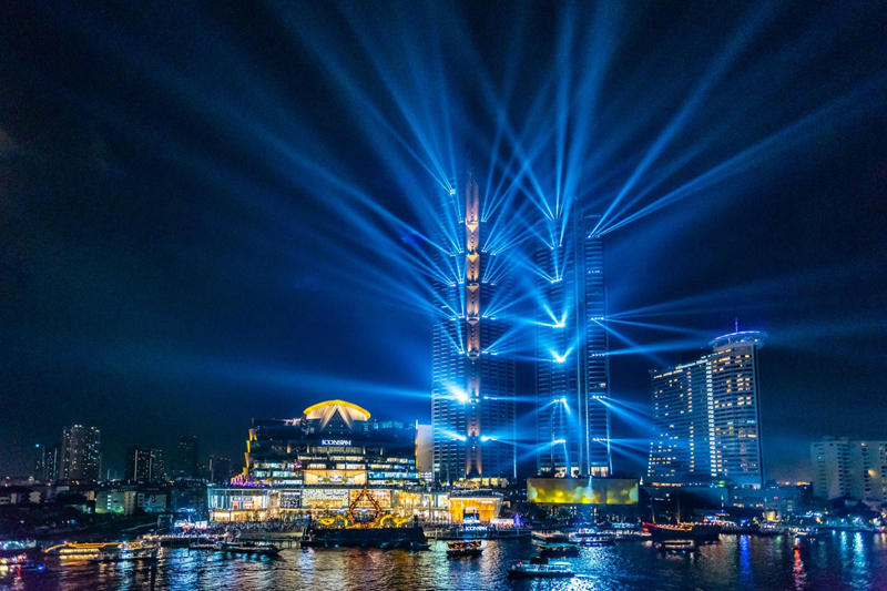 Iconsiam lit up at the Iconsiam grand opening event