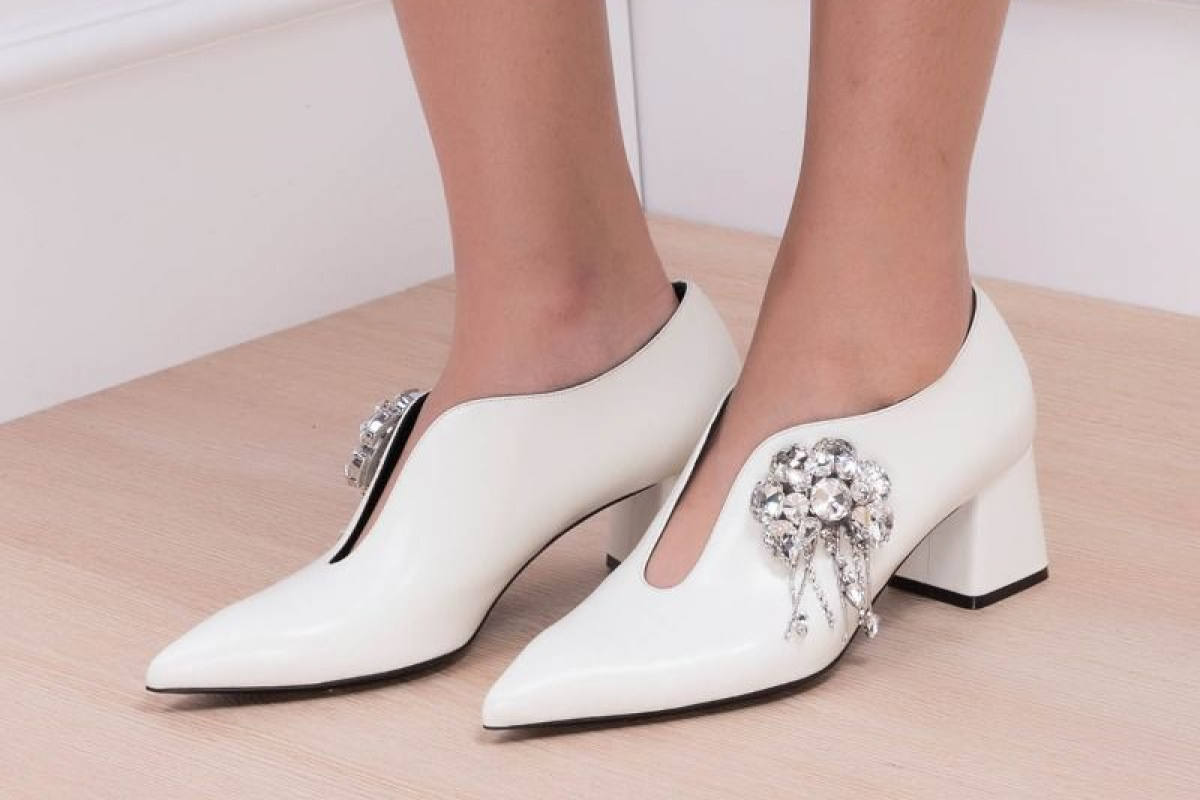 10 Trending Shoes from Masarishop.com