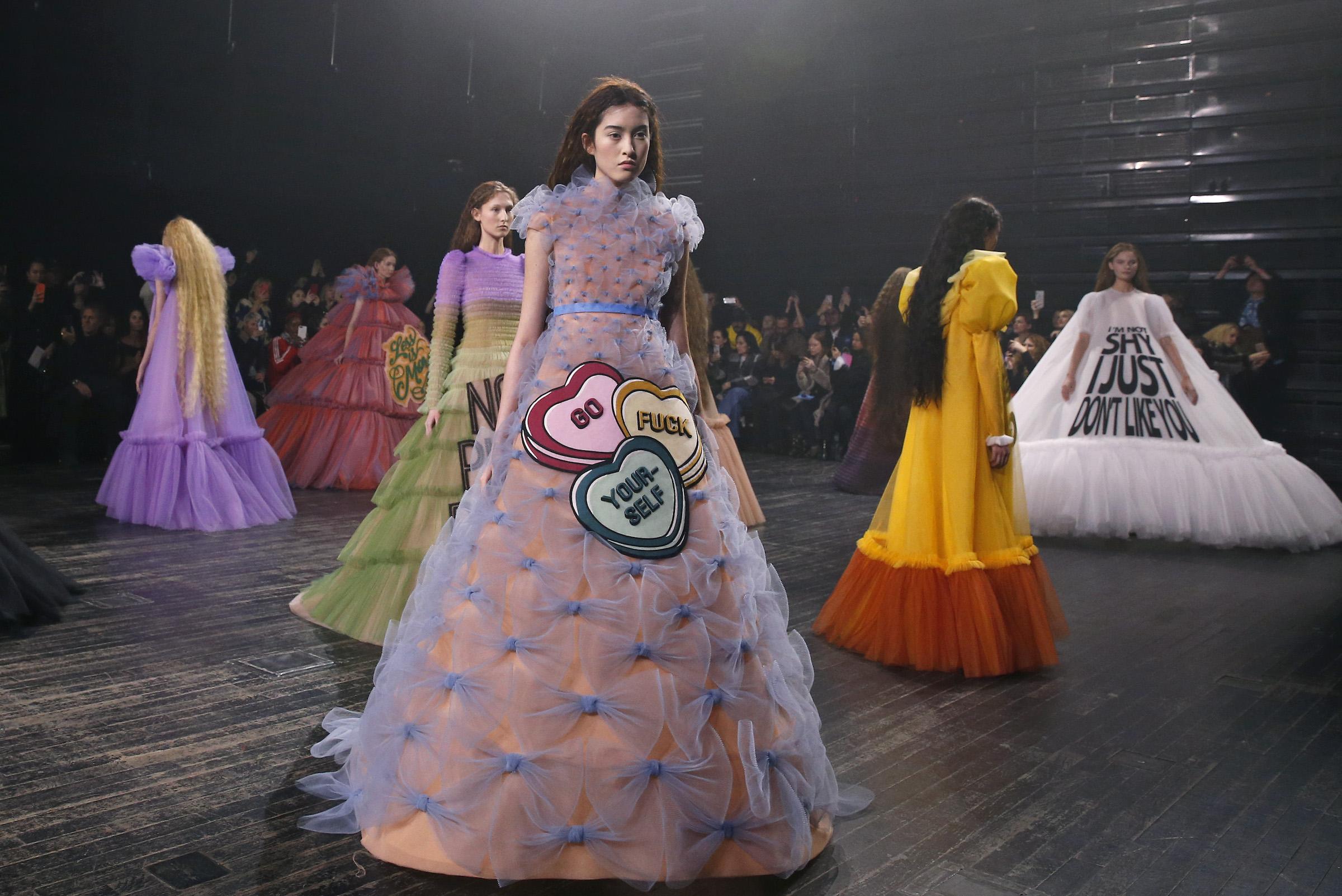 paris fashion week haute couture spring 2019 Viktor & Rolf