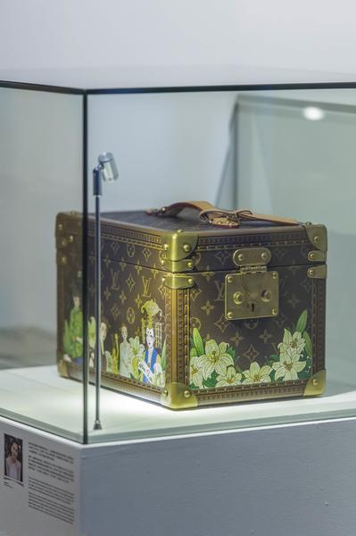 Carina Lau's Louis Vuitton cosmetics bag