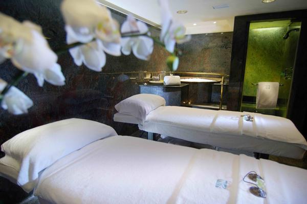 Dermo-Lifting Face Treatment at I-Spa at The Intercontinental Hong Kong
