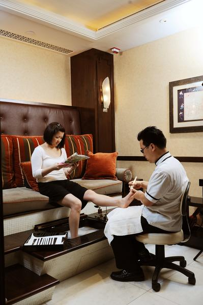 Shanghainese Pedicure at The Mandarin Spa
