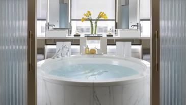 The Landmark Mandarin Oriental's L900 bathroom
