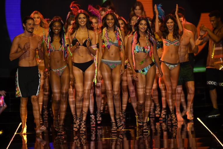 The finale of the spring/summer 2016 Calzedonia show