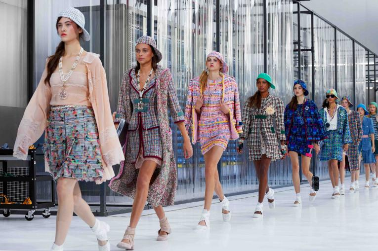 Chanel spring/summer 2017 collection finale