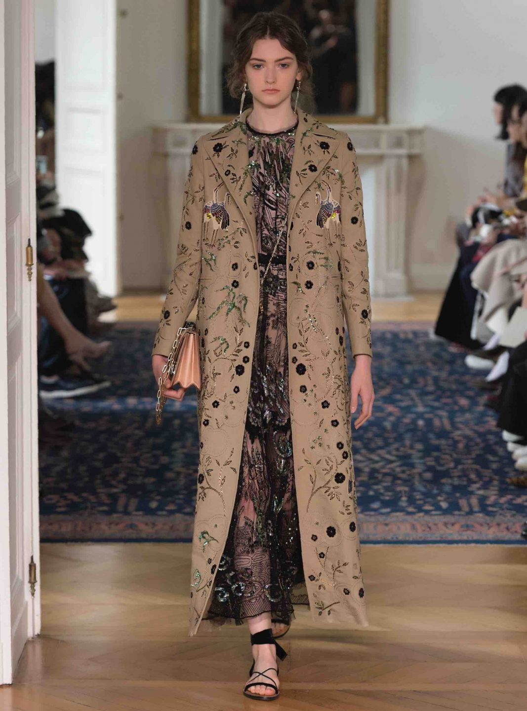 Looks - Spring-summer for valentino video