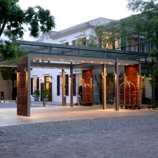 Arrive-in-style-at-the-Vineyard-Hotel