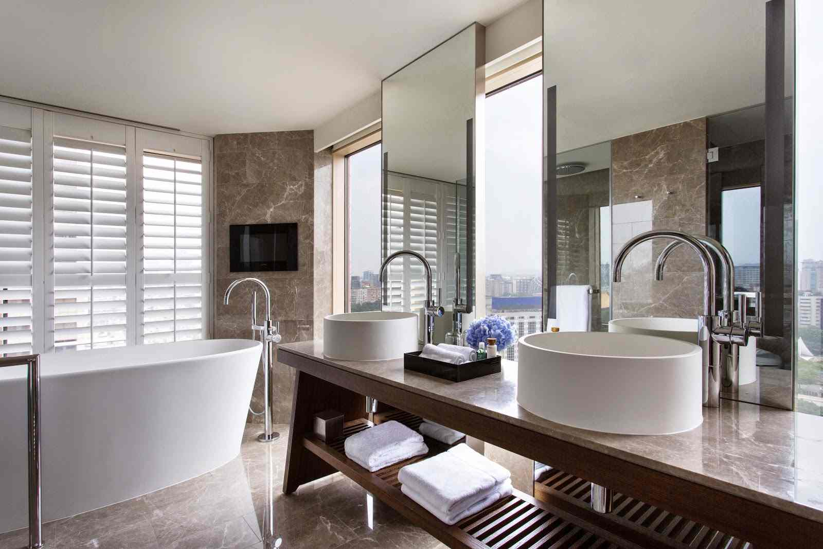 The bathroom of a Grand Executive Suite at the Grand Hyatt Taipei