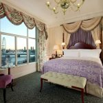 A-VIEW-OF-THE-THAMES-FROM-ONE-OF-THE-SUITES1