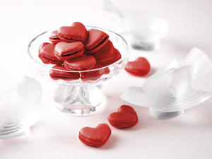Heart-shaped%20Amedei%20Chocolate%20and%20Chilli%20Macarons