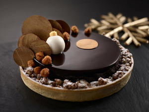mandarin_orientals_christmas_chocolate_mixed_nuts_crunch_pie