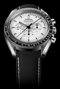OMEGA%20Speedmaster%20Apollo%2013%20Silver%20Snoopy%20Award%20Limited%20Edition