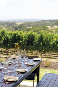 the%20restaurant%20overlooks%20the%20vineyards%20of%20wills%20domain%20%28Simon%20Furlong%29