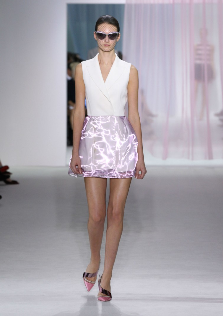 Embroidered white wool silk and pale pink metallic - Salon prestige organza ...