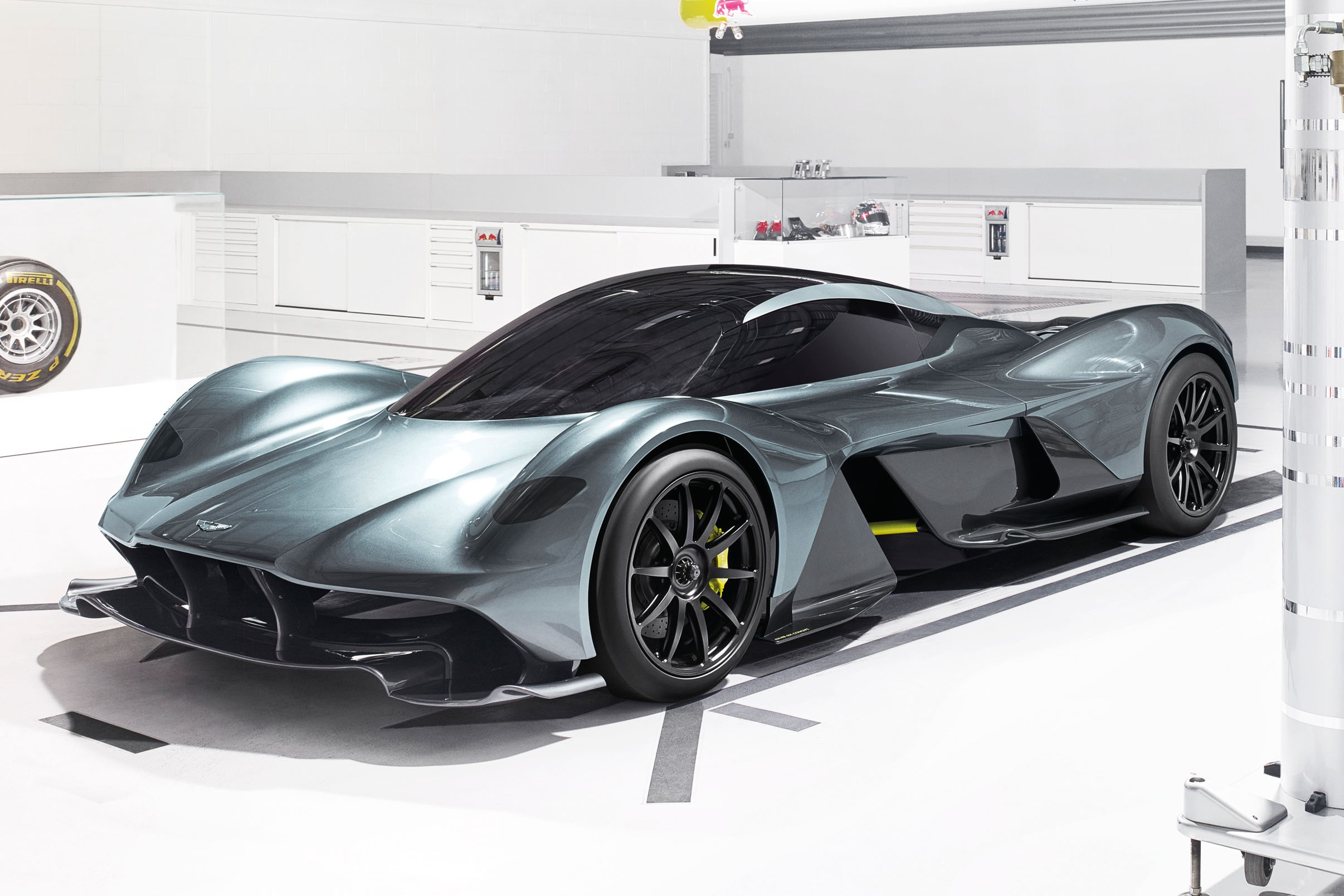 Design Marvel: Aston Martin's AM-RB 001