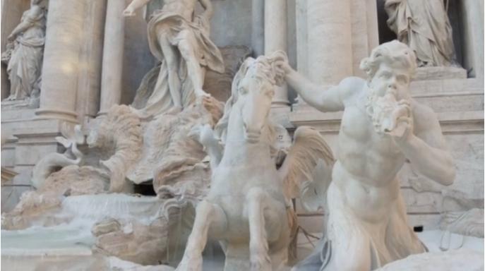 Fendi restores Trevi Fountain