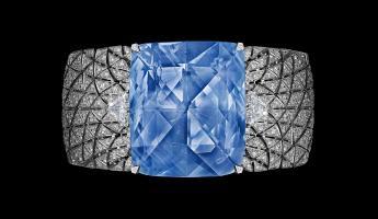Cartier Shines at the Etourdissant Exhibition