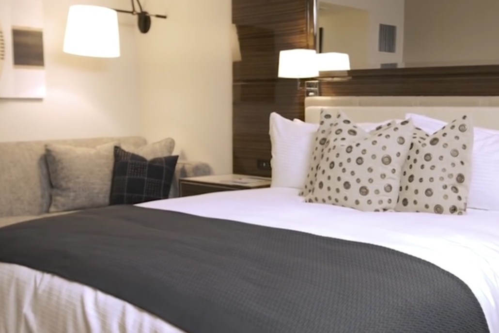 3 themed hotel suites to stay in