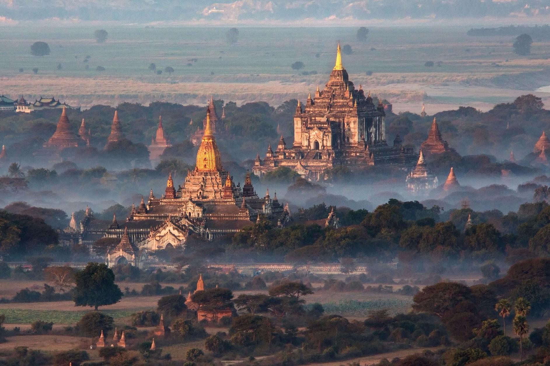 Temple Splendour in Bagan