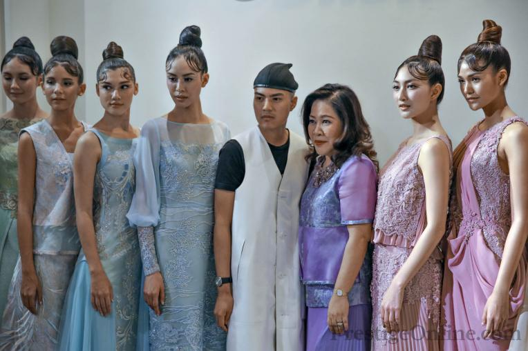 Busardi AW16 Fashion Show; View of Busardi and Tuck Muntarbhorn with models after show; Photo courtesy Giancarlo Galavotti; PrestigeOnline
