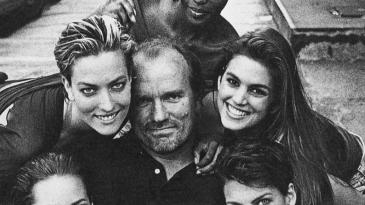 CHRISTY TURLINGTON、TATJANA PATITZ、PETER LINDBERGH、NAOMI CAMPBELL、CINDY CRAWFORD與LINDA EVANGELISTA,紐約,1990年