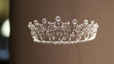 CHAUMET《尚之以瓊華》珍寶藝術展之「波旁•帕爾瑪」金鐘花冠冕