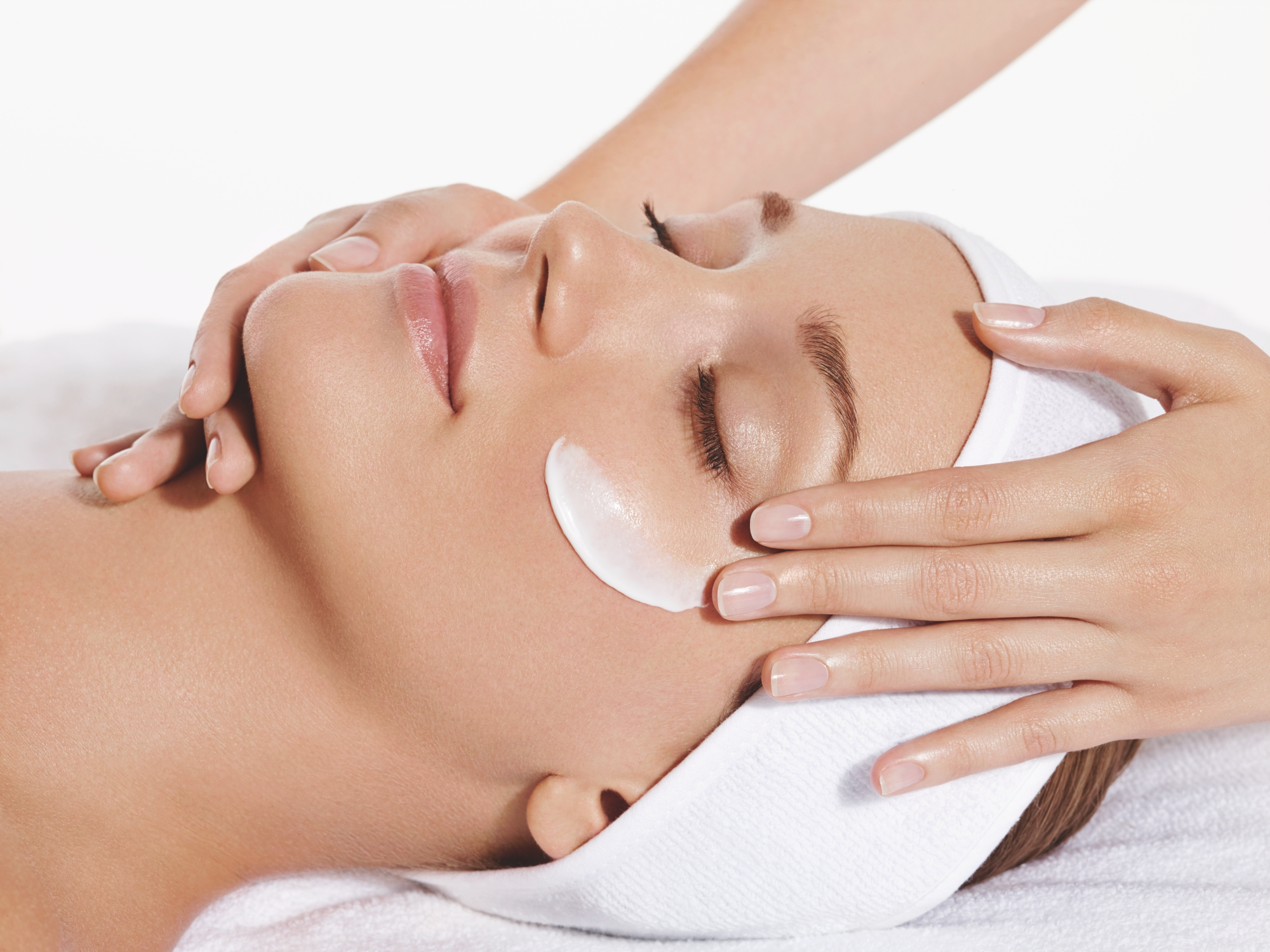 3 New Non Invasive Facials In Singapore That Are Utterly Relaxing
