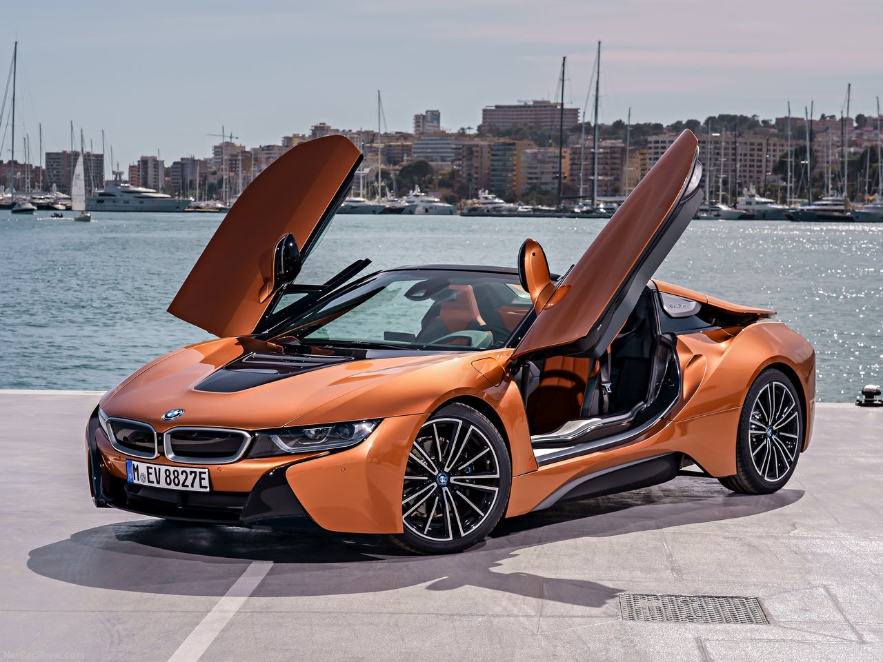 bmw 39 s first ever i8 roadster to debut in singapore at bmw world 2018. Black Bedroom Furniture Sets. Home Design Ideas