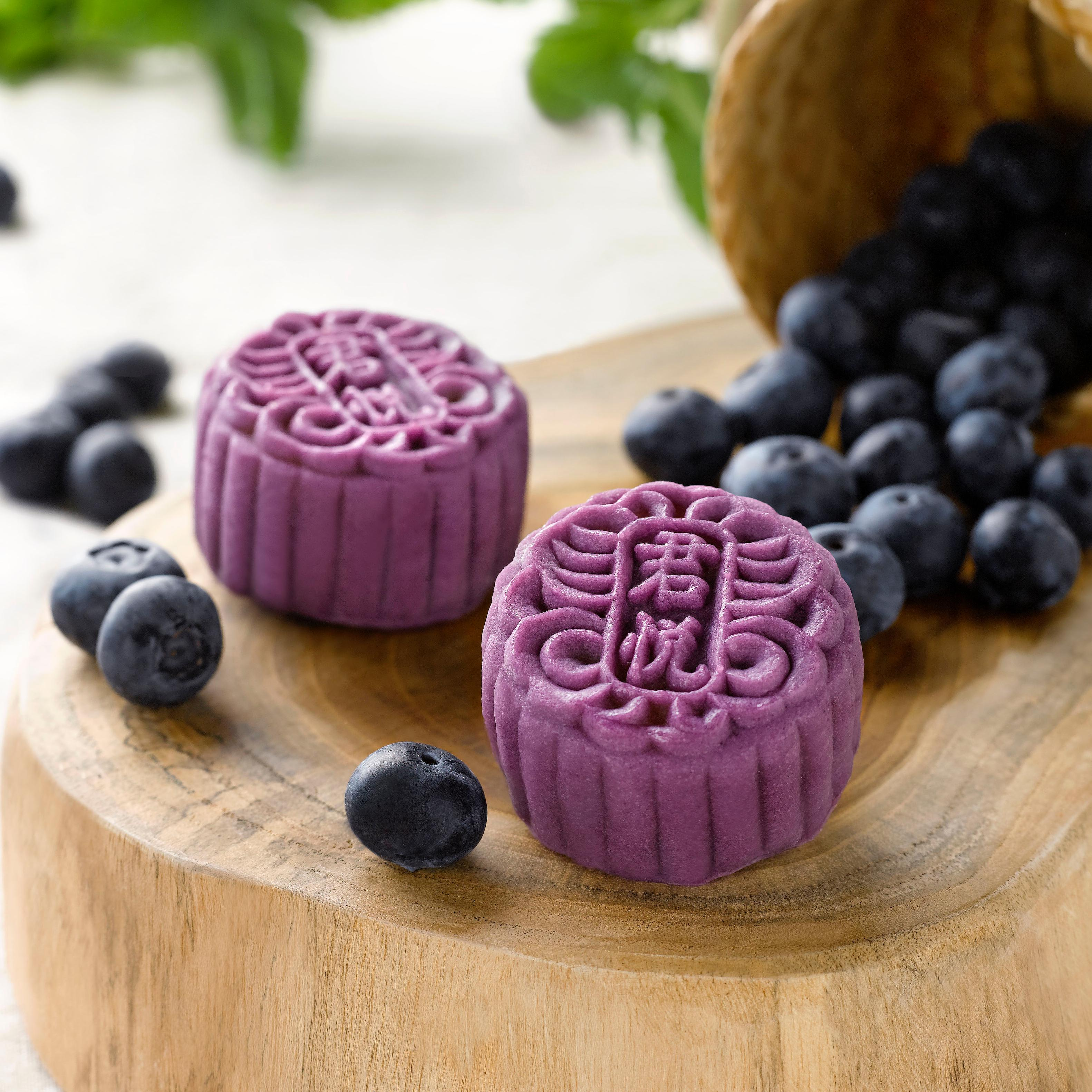 traditional and modern mooncakes