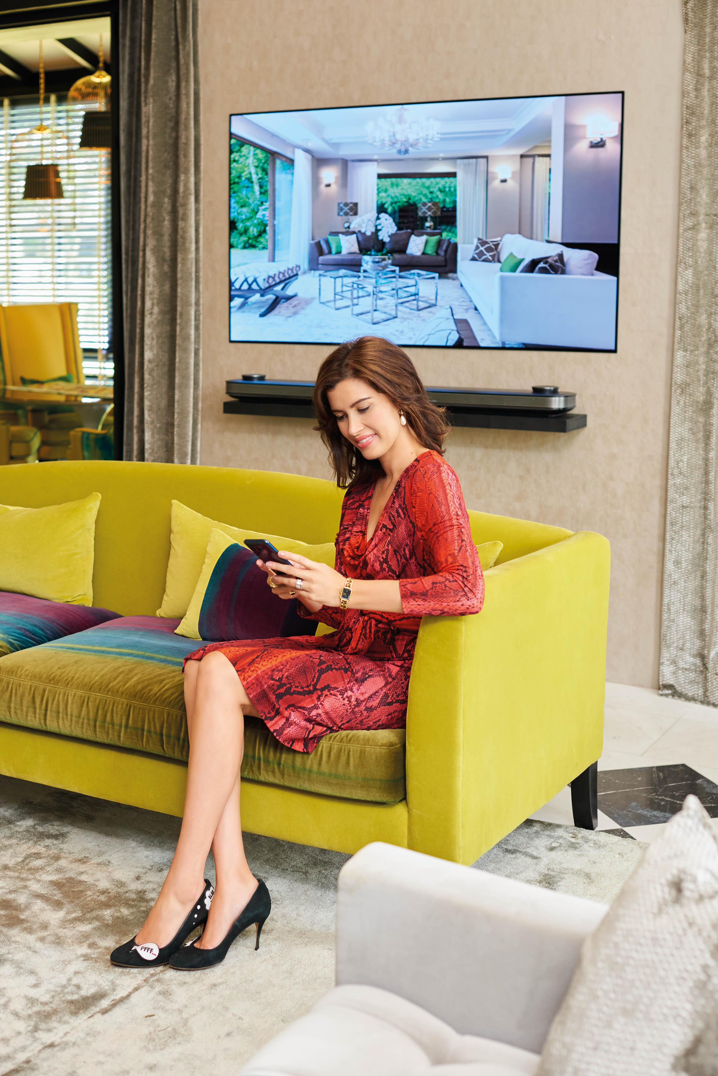 VIDEO: LG SIGNATURE Special — A Design Intervention With Andrea Savage