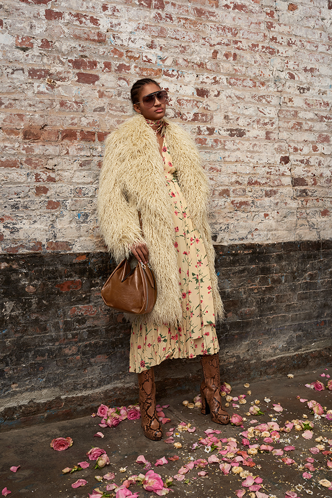 89a82ee756 Michael Kors Takes on Urban Romance in Pre-Fall 2019 Collection