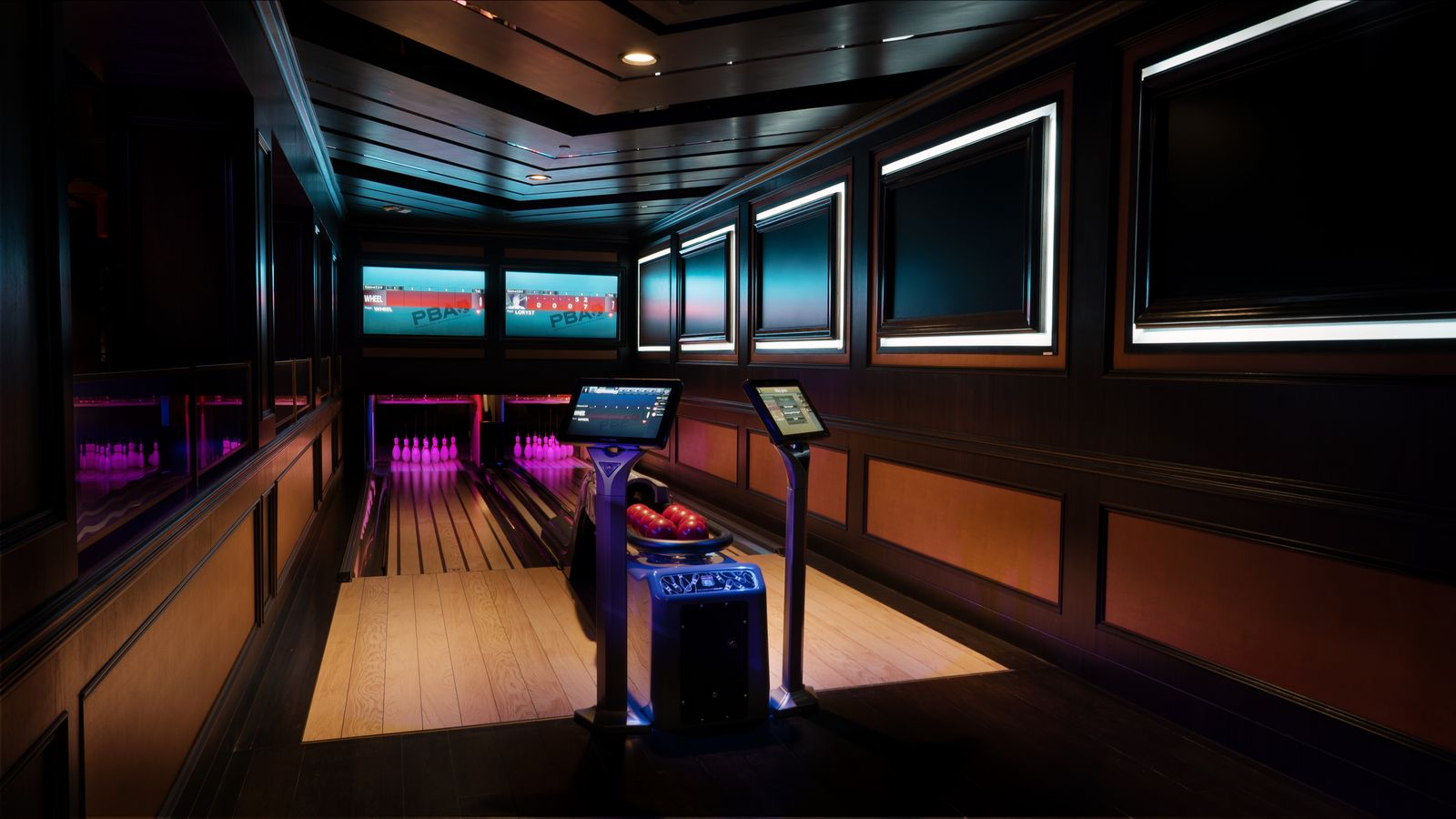 The bowling alley inside Avenue Singapore (Photo: TAO Group)